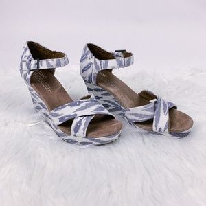 TOMS Blue and White Ikat Wedge Sandals